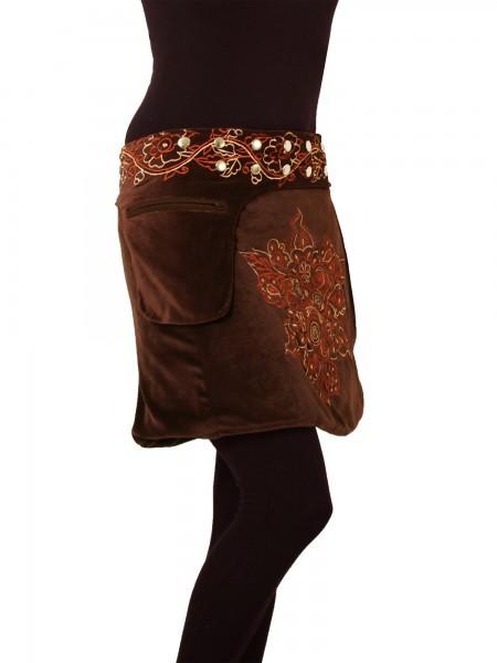 Wickelrock aus Samt, Winterrock mit Tasche und Druckknöpfen, Modell Nr. 226